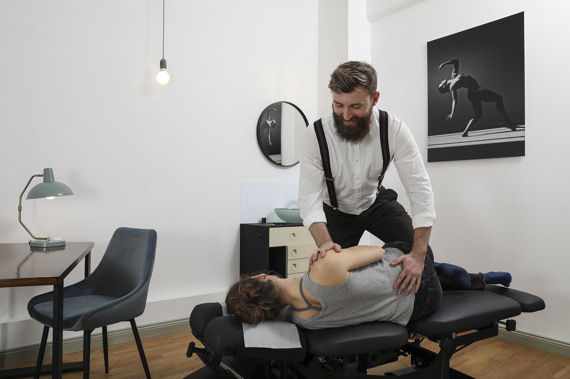 Behandlung mit Arne Simonsen ChiroHouse Chiropraktiker