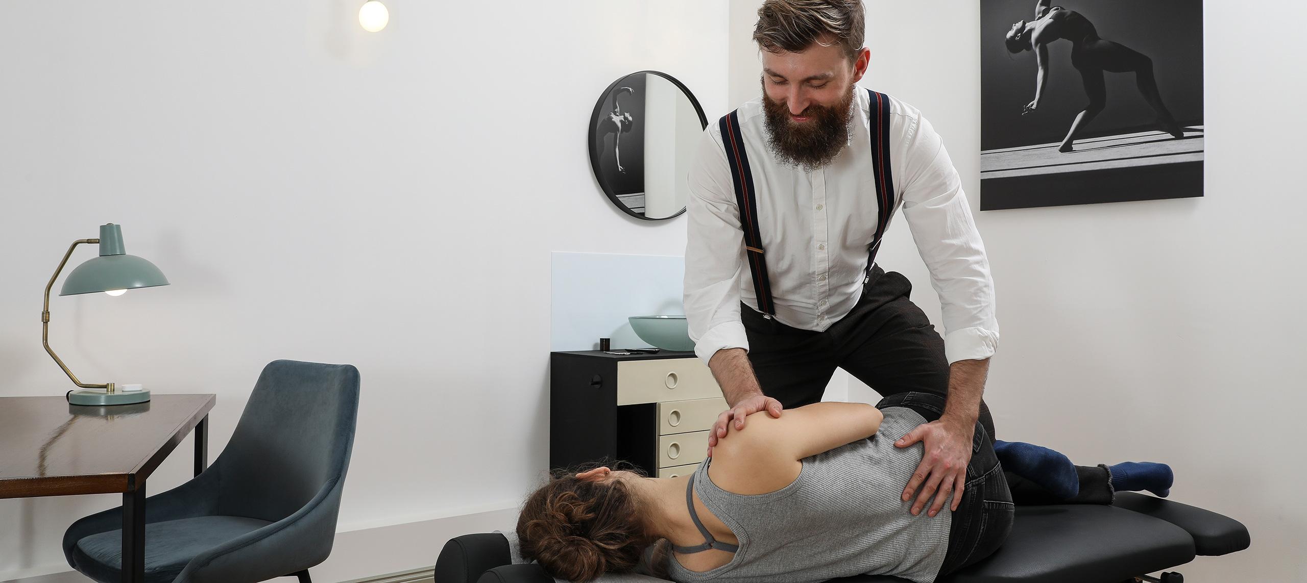 Chirohouse Chiropractor Berlin treats sciatica, sciatic nerve, sciatic pain and chronic lower back pain - www.chirohouse.de - Berlin Mitte